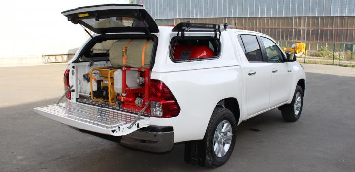 FRV-NATISK-300 BL (TOYOTA HILUX) full